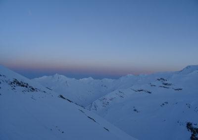 Saas Fee Runde mit Ski - Sonnenuntergang auf der Britanniahütte