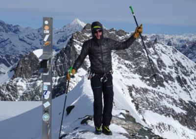 Saas Fee Runde mit Ski - Gipfel Strahlhorn