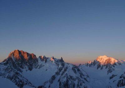 Les Droites - Die Grande Jorasses und Mont Blanc im Sonnenaufgang