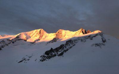 7x 4000er im Berner Oberland mit Ski